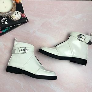 NWOB | Urban Outfitters White Boots Size 8